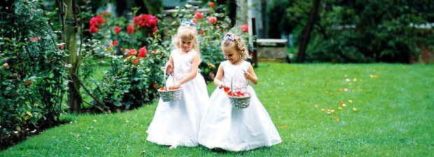 Wedding-flour-girls